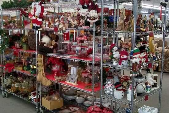 villagethrift-holiday-items2